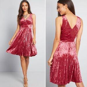NWOT ModCloth Splendorous Spree Velvet Dress